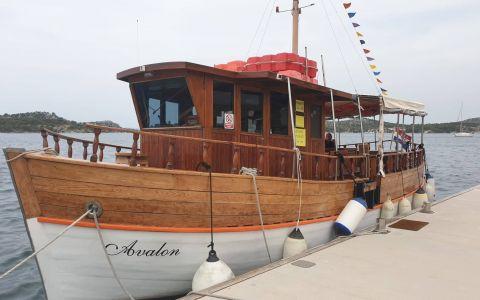 Uživajte u brodskoj turi Mandalina-Martinska za samo 10 kuna!